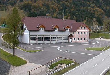 3Feuerwehrhaus